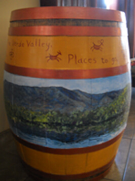 Best Western Cottonwood Inn Painted Barrel